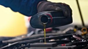 Autószerviz tudnivalók-milyen gyakran van szükség olajcserére?